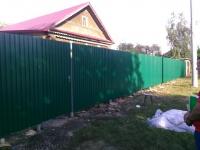 Установлен забор из профлиста СС21 (зеленый мох)
