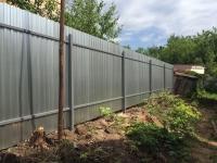 Установлен забор из профнастила ЦИНК высотой 2 метра по ул. Крейсерная