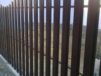 Компания ZVS63 установила из металлического штакетника забор в г. Кинель