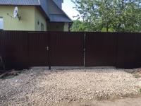 Установлен забор из профнастила и штакетника - ул. Балхашский проезд