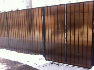 Установка забор из поликарбоната